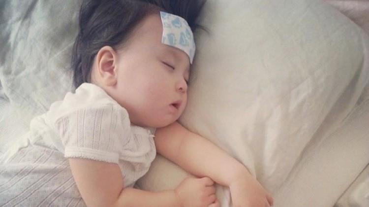 Trẻ sơ sinh bị sốt